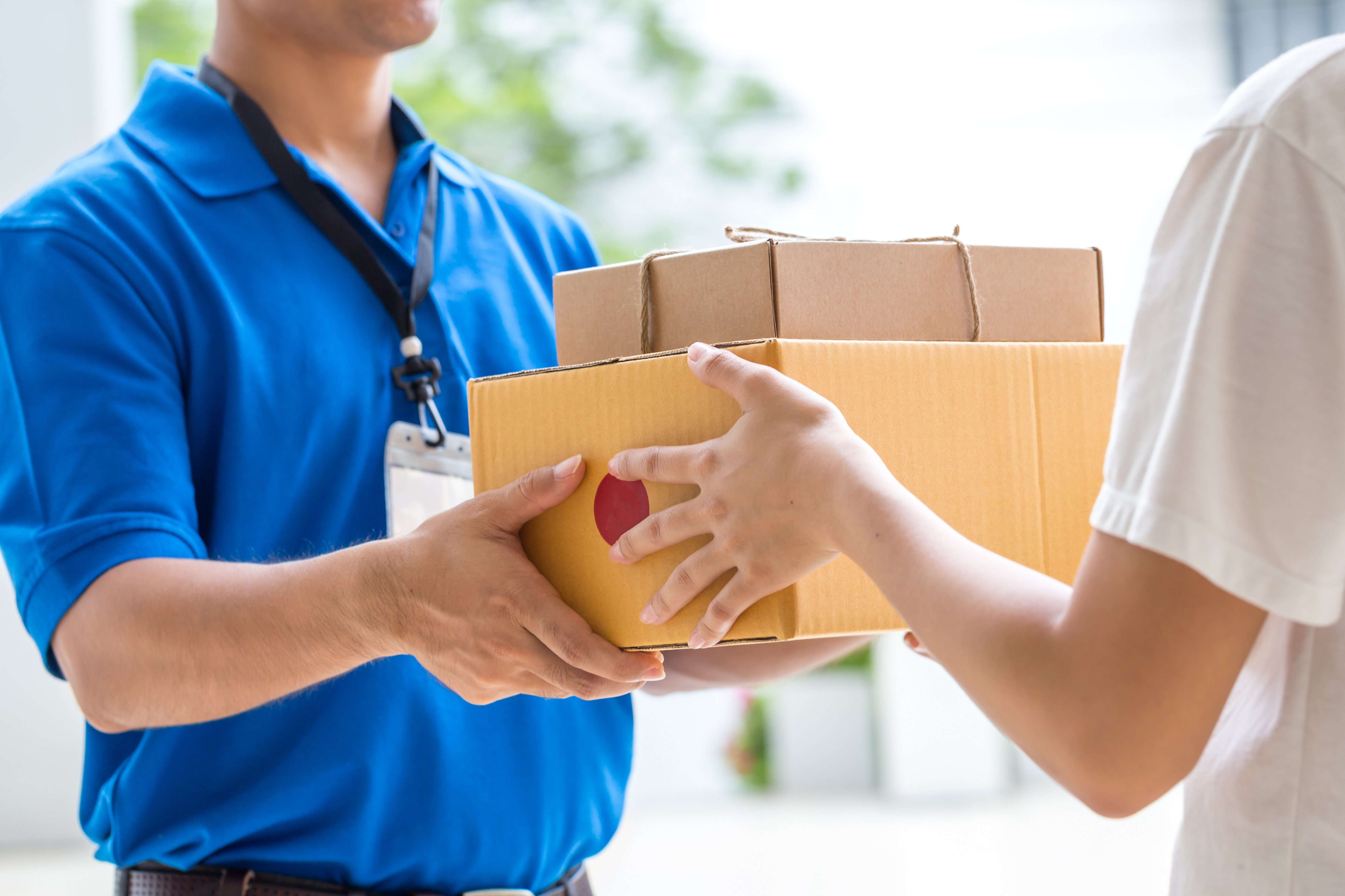 Package being deliverd - How to Ship Jewelry