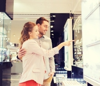 Couple looking at jewerly