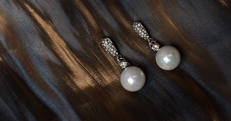 How to Clean Pearls