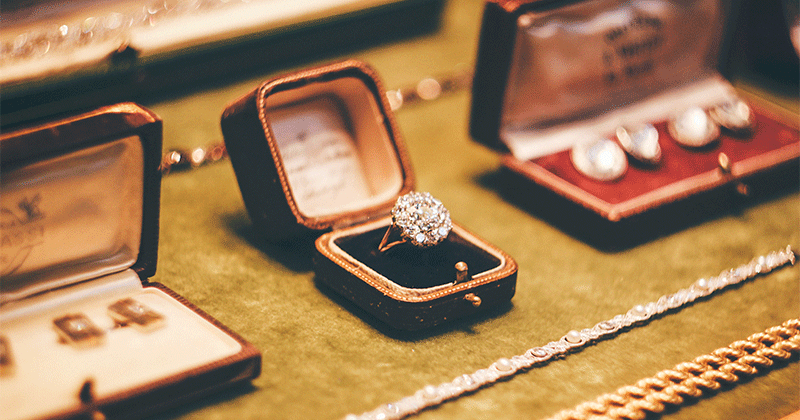 How much does it cost to ensure an engagement ring