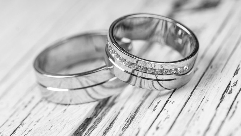 White gold vs silver wedding bands